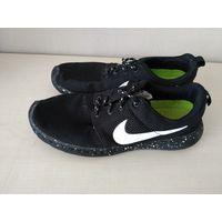 Черные кроссовки Nike р.39