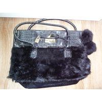 Кожаная сумка бренда MARC JACOBS с натуральным мехом.