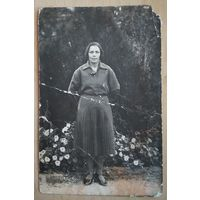Фото женщины на отдыхе в Крыму. 1932 г. 9х14 см.