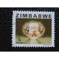 Зимбабве/ Камень морганит.