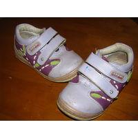 Ботиночки для девочки р-р 25