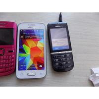 Лот рабочих мобильных телефонов