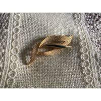 Брошь Листик брашировка по металлу стиль Sphinx Германия винтаж