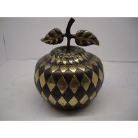 Шкатулка яблоко. Латунь