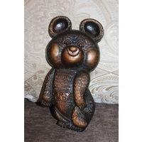 """Настенный барельеф """"Олимпийский мишка"""", времён СССР, высота 20 см., силумин, отличное состояние."""