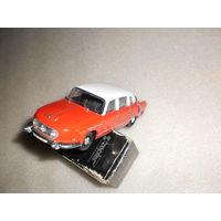 """Модель авто """" Tatra 603-1"""". 1:43."""
