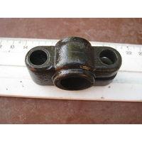 Интересный  зажим  из прочнейшего советского металла-качество военпрома.