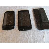 Два мобильных телефона на запчасти
