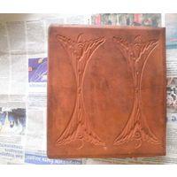 Старинная глиняная плитка, изразец