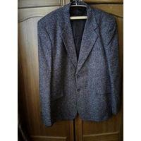 Фирменный мужской пиджак 52-54 размер.