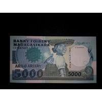 Мадагаскар. 5000 франков 1988г, UNC