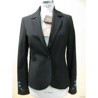 РАСПРОДАЖА!!! СКИДКА 35 %!!! Пиджак итальянского бренда MARIELLA BURANI, ручная вышивка
