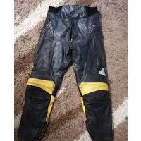 Продам брюки байкерские кожаные