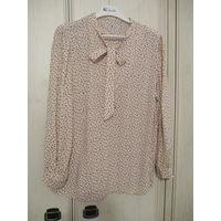 Блузка с бантом пудрового цвета . Вискоза. Р-р 52-54