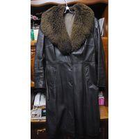 Пальто кожаное женское