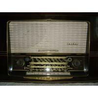 Немецкий радиоприемник Carmen57