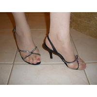 Босоножки со стразамиР36 (на широкую ногу)