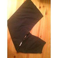 Красивые штаны на девочку рост 128 см. Отличного качества материал приятный на ощупь, интересная вышивка красиво смотрится на брюках. Цвет черный.