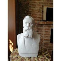 Бюст Фридриха Энгельса большой 45см, в неплохом сохране с клеймом.