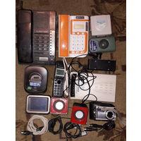 Сборный лот, много всего, магнитофон, радиотелефоны, радио, навигатор, циф. фотоаппарат и др.