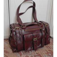 Красивая вместительная сумка Германия ESPRIT Отличная для путешествий , много карманов . 35х20х12 см