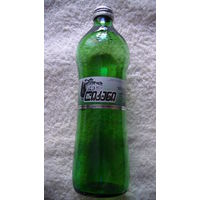 Бутылка из под минеральной воды. Грузия. 0.5 литра. зелёное стекло. на стекле логотип: ёлочка. распродажа