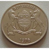 """Ботсвана. 25 тхебе 1976 год  KM#6  """"Дикий бык Зебу"""""""