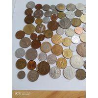 Сто монет мира все разные (без СНГ и России )