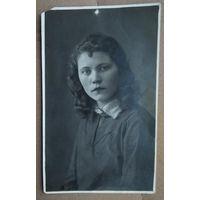 Фото Нины Уточкиной. 1937 г. 8.5х13.5 см