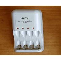 ЗУ Зарядное устройство Sanyo Battery Charger NC-MQN03 AA AAA