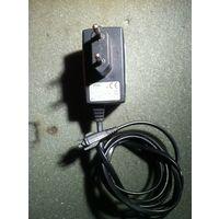 Зарядное устройство Philips 330