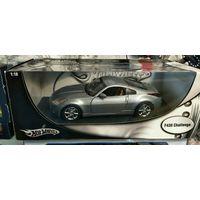 Модель 1:18.  Nissan Z. Mattel. HotWheels.
