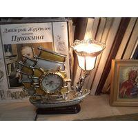Светильник, ночник фрегат Triumph с кварцевыми часами.