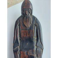 Фигурка монах