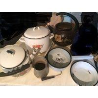 Комплект посуды на дачу, кастрюли, чайники и многое другое, все что на фото.    Посмотреть можно в трех минутах ходьбы от метро Фрунзенская. Обмен не интересует. Почтой отправлю по полной предоплате л