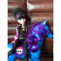 Кукла Монстер Хай Monster High Директриса Бладгуд Базовая