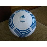 Футбольный мяч.    TANGO