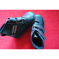 Ботинки сникерсы деми размер 23