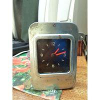 Автомобильные часы на ГАЗ-24
