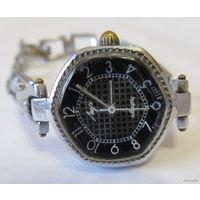 """Часы женские """"Луч"""" с браслетом времён СССР,кварц"""