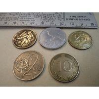 5 иностранных монет/3 с рубля.