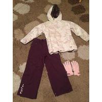 Фирменный лыжный костюм американской марки Burton на девочку размер M(примерно на 10-12 лет). Профессиональный костюм: не продувает, не промокает. Мембрана. Приобретали в Швейцарии