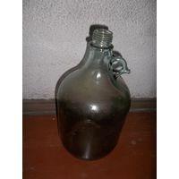 Бутыль большая старая для вина . Бутылка под вино