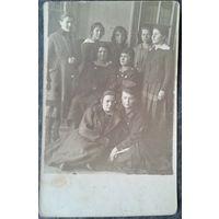 Групповое фото женщин. 1920-е. 9х14 см