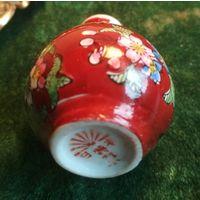 Ваза миниатюрная вазочка старая Япония ручная размалёвка фарфор клеймо герб восходящее солнце
