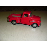 Модель 1955 года Chevy Stepside Pick-Up Масштаб 1/32 (Кинсмарт) Открываются двери.