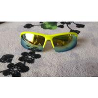 Очки солнцезащитные спортивные