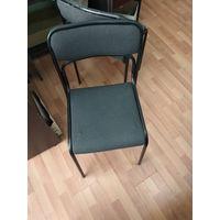 Три стула из металла спинка и сиденье мягкие в офис.