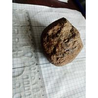 Магнитный камень. Возможно метеорит?