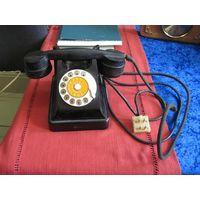 Карболитовый телефонный аппарат.